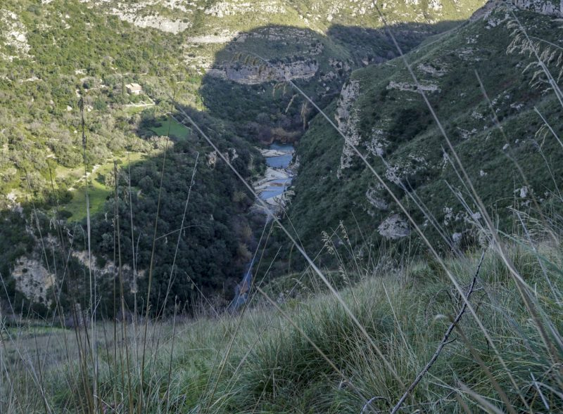 Our first glimpse of the winding river dividing the Cavagrande del Cassabile Canyon