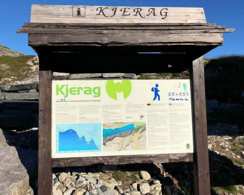 A sign at the carpark, detailing the Kjeragbolten hike.