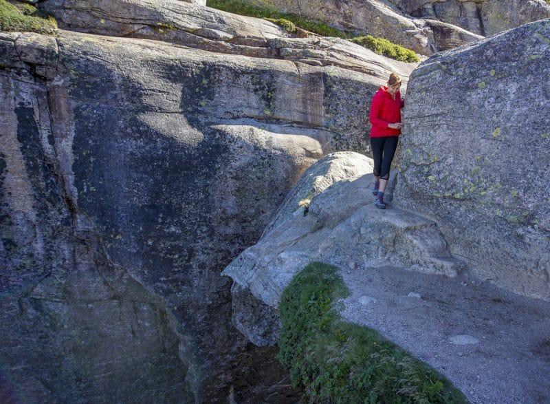 Beating a careful retreat from Kjeragbolten