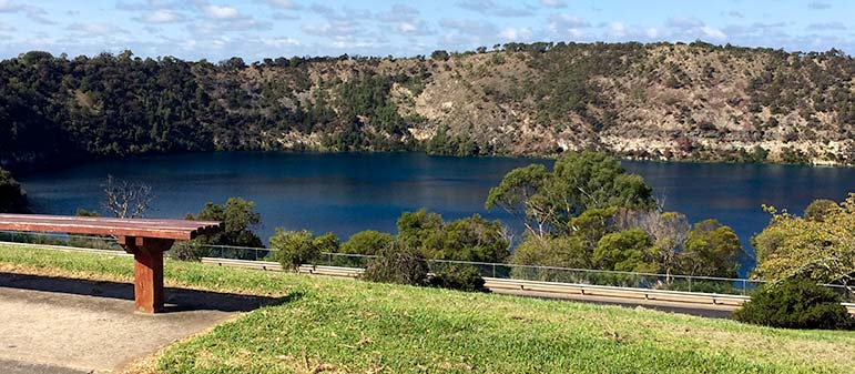 Perth to Melbourne Drive: Blue Lake at Mount Gambier, South Australia
