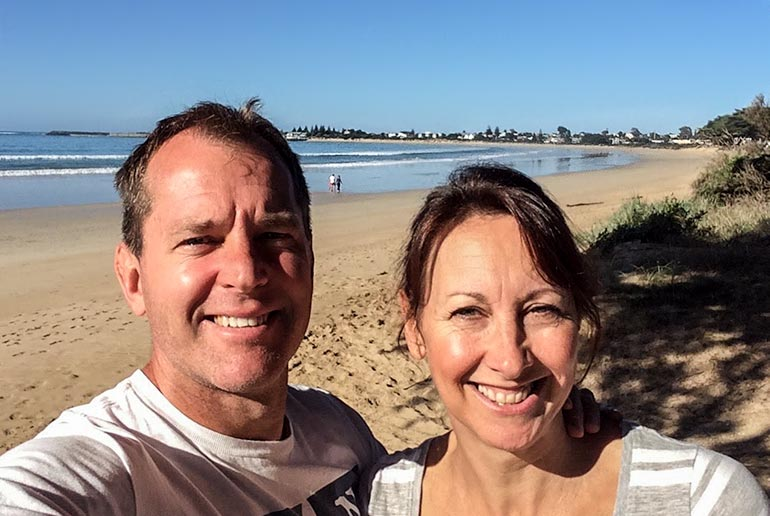 Perth to Melbourne Drive: Lars and Shelley of Lifejourney4two at Apollo bay