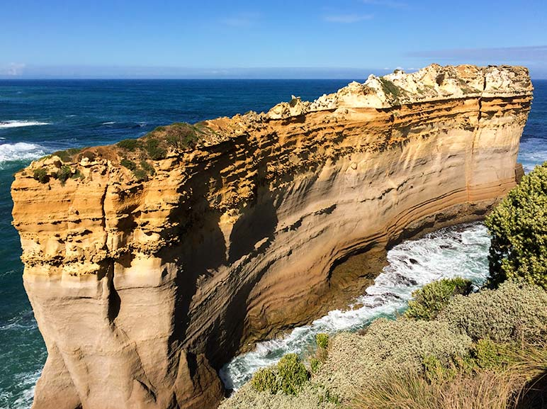 Perth to Melbourne Drive: The island arch on the great Ocean Road