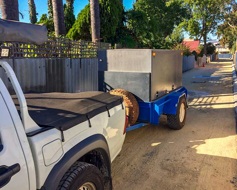 Ute and trailer in Perth driveway ready for the Perth to Melbourne drive