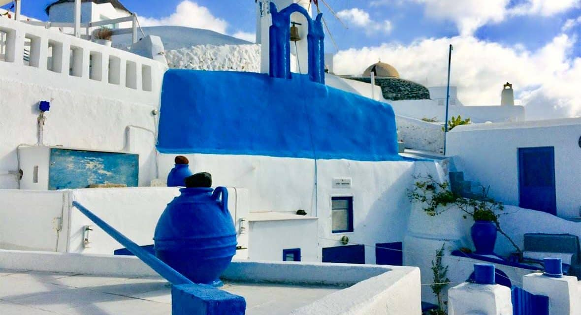Santorini in Winter – Wander Without the Crowds