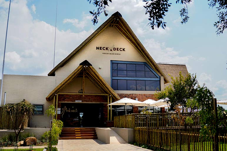 The Neck and Deck restaurant just before the entrance of the Rhino and Lion Nature Reserve