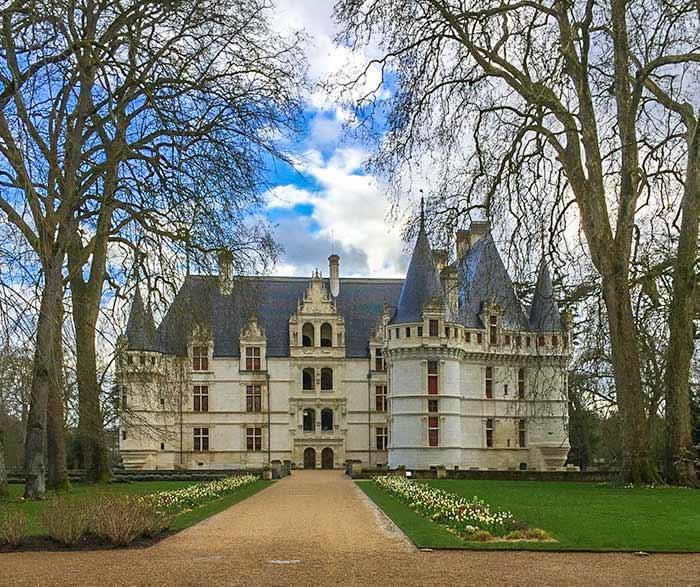 CHATEAU DE AZAY-LE-RIDEAU - Loire valley itinerary