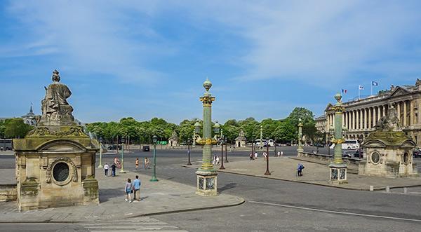 Place de la Concorde - each of the statues represents a French City