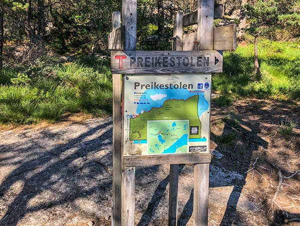 Preikestolen signage, pulpit rock norway