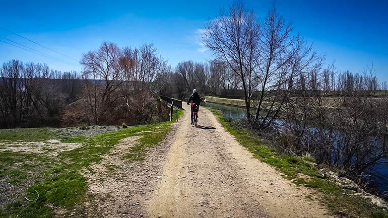 cycling along Castilla Canal