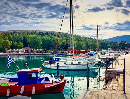 Boats-at-Galaxidi