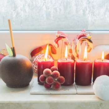 Christmas in July candles and toffee apple