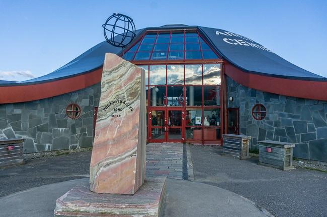 Polar circle monument and centre