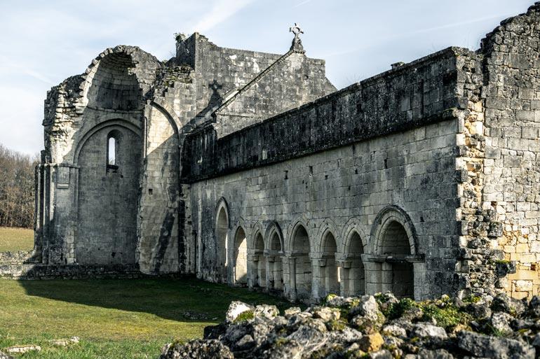 Abbey-de-Boschaud- Villars Dordogne